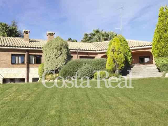 Chalet 6 Habitaciones Venta A Consultar  (CR0686MAR)