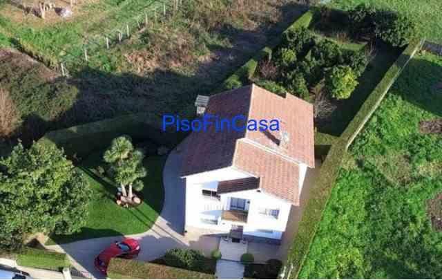 Casa con parcela de 1000m2