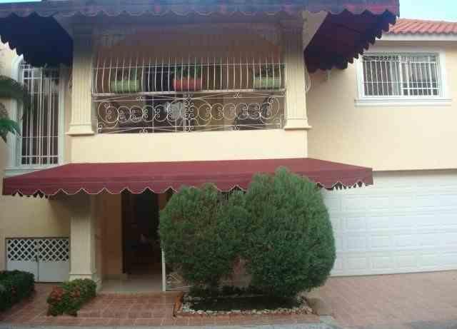 Vendo casa en El Dorado I en Res Cerrado, RD$ 8,950,000.00