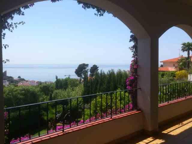 Chalet 4 Habitaciones Venta 950 000€  (CR0802MAR)