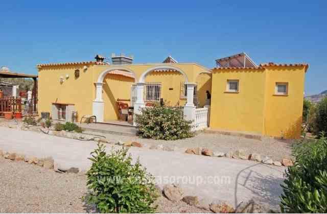 Casa de Campo en Oliva, EUR 95,000