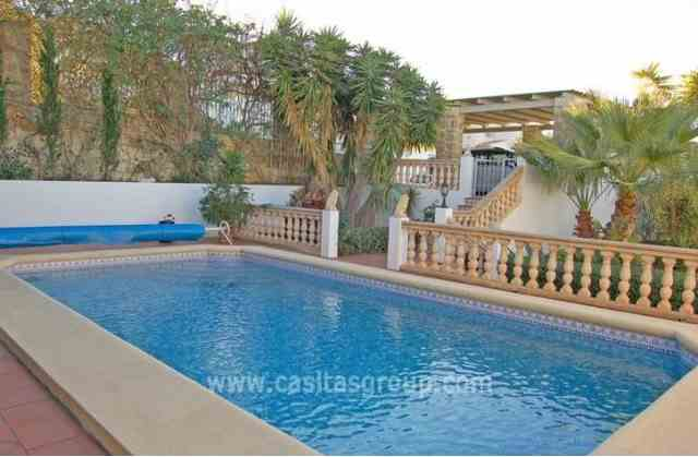 Villa en Rafol de Almunia, EUR 257,000