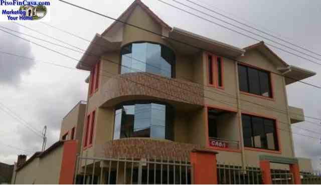Chalet 3 plantas Villavicencio
