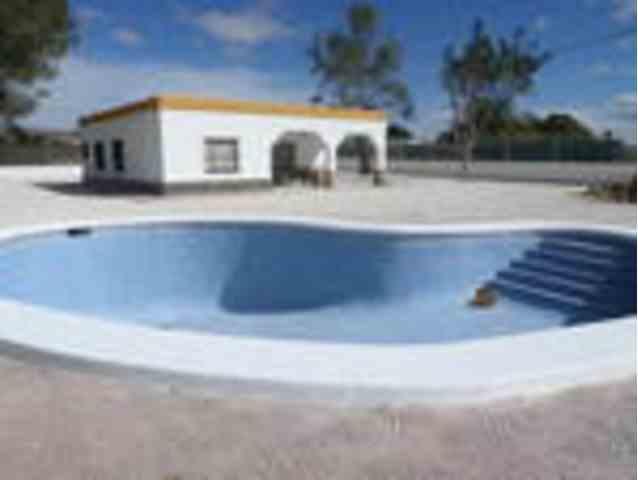 4 Dormitorios, 2 Baños Casa de Campo Se Vende en Crevillent, Alicante