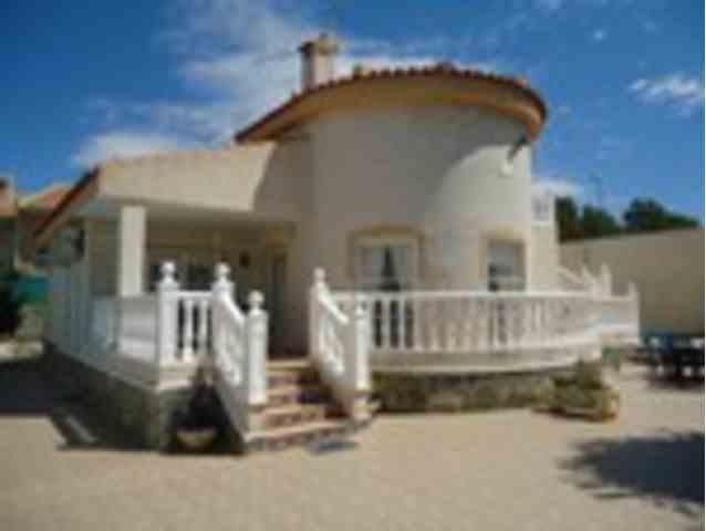 3 Dormitorios, 2 Baños Villa Se Vende en Ciudad Quesada, Alicante