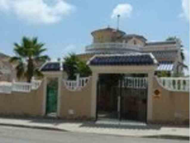 4 Dormitorios, 4 Baños Villa Se Vende en Pinar de Campoverde, Alicante