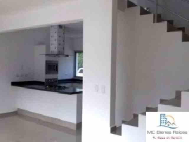 Casa 3 ambientes con alberca, fracc privado