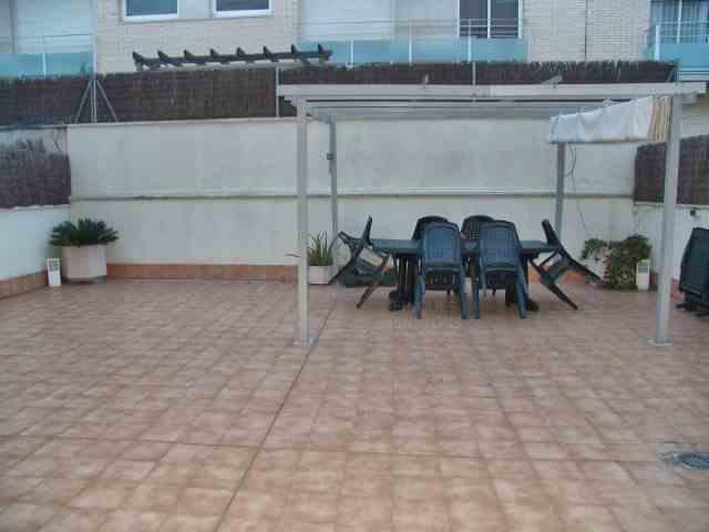 Piso 4 Habitaciones Venta 246 000 €(987)