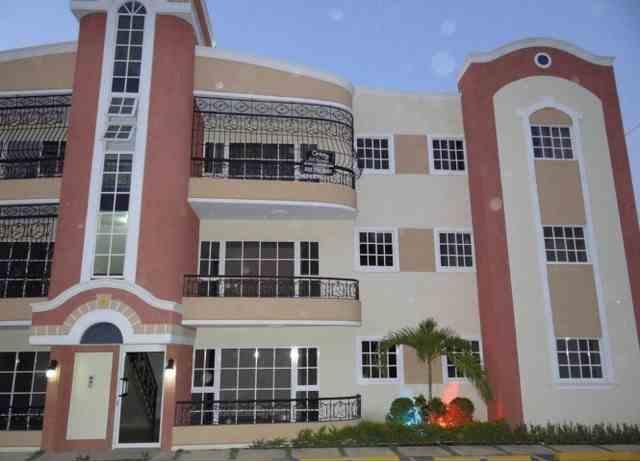 Apartamento en el Residencial Paradise 3 con 2 parqueos, RD$ 13,500.00