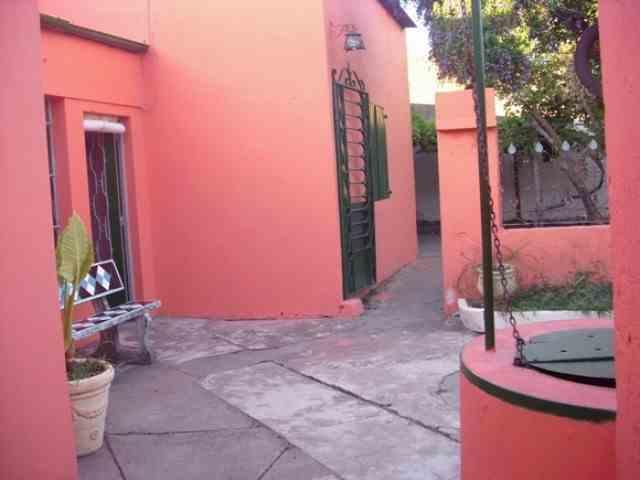 Casa estilo antiguo en Colonia Uruguay