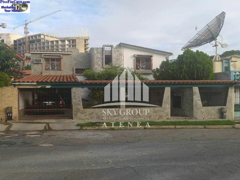 Sky Group Atenea Vende   Casa En Urbanización El Bosque, Valencia, Carabobo