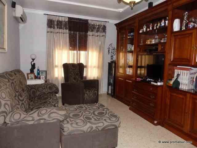 Ref. 0459 - En venta piso bajo con patio - Puente Genil - Córdoba