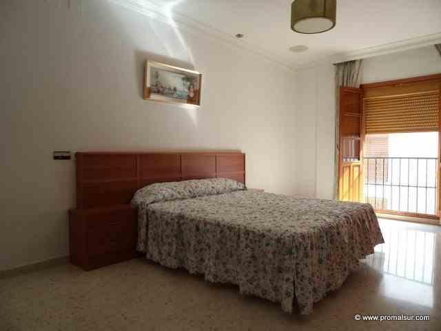 Ref. 0404 - En alquiler, piso en primera planta, 3 dormitorios - Puente Genil