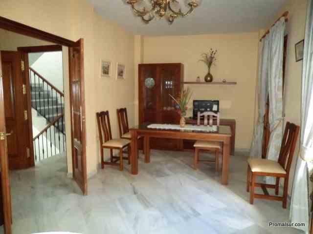 Ref. 0222 - Se alquila piso con 2 dormitorios - zona centro - Puente  Genil
