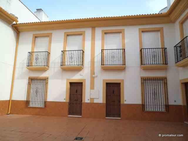 Ref. 0373 - En venta casa en Urb. La Membrilla - Aguilar de la Fra