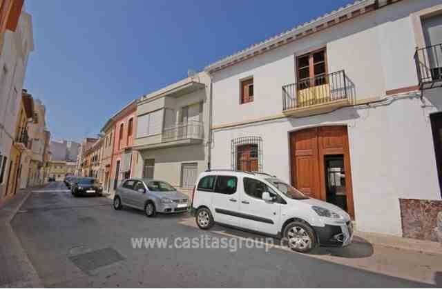 Casa de Pueblo en Pego, EUR 99,000
