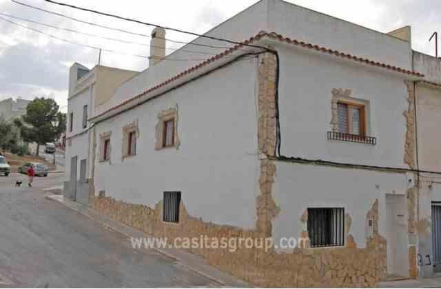 Casa de Pueblo en Oliva, EUR 112,000