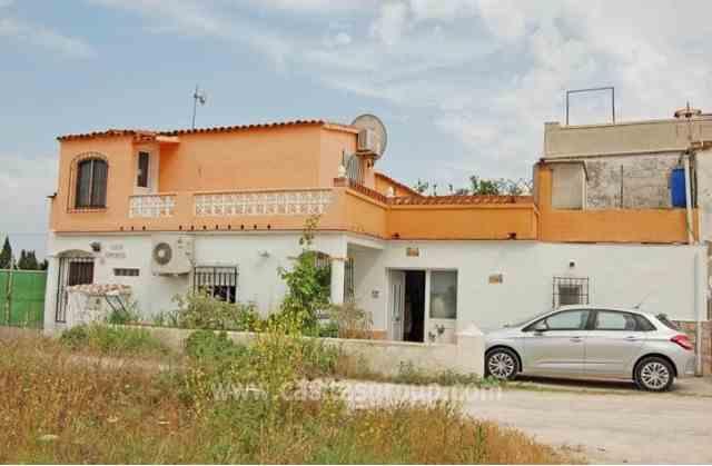Chalet Adosado en Oliva, EUR 51,500