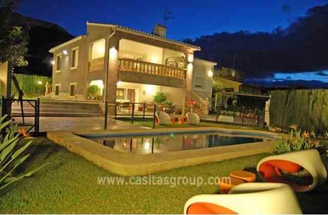 Villa en Denia, EUR 550,000
