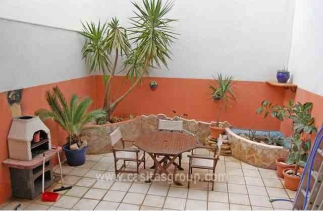 Chalet Adosado en Pego, EUR 160,000