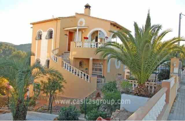 Villa en La Font D`En Carros, EUR 150,000